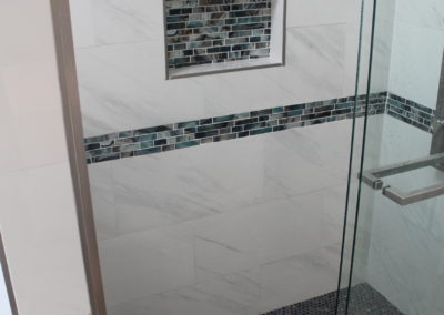 Lilburn Master Shower Niche & Decorative Tiles - After
