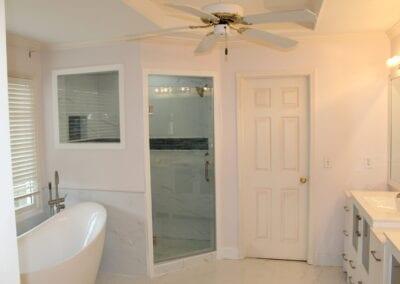 Kennesaw Master Tub/Shower/Floor - After