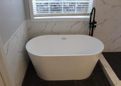 Lawrenceville Master Tub & Tub Surround - After
