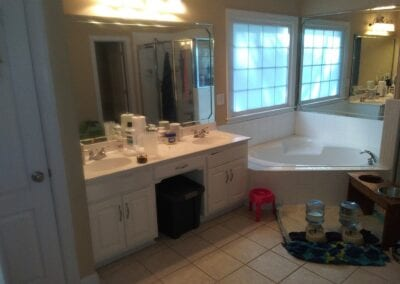 Loganville Master Vanity & Tub - Before